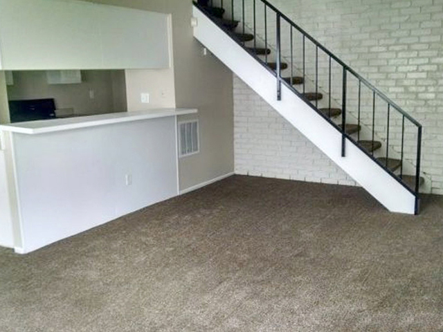 highland condo for sale stairs