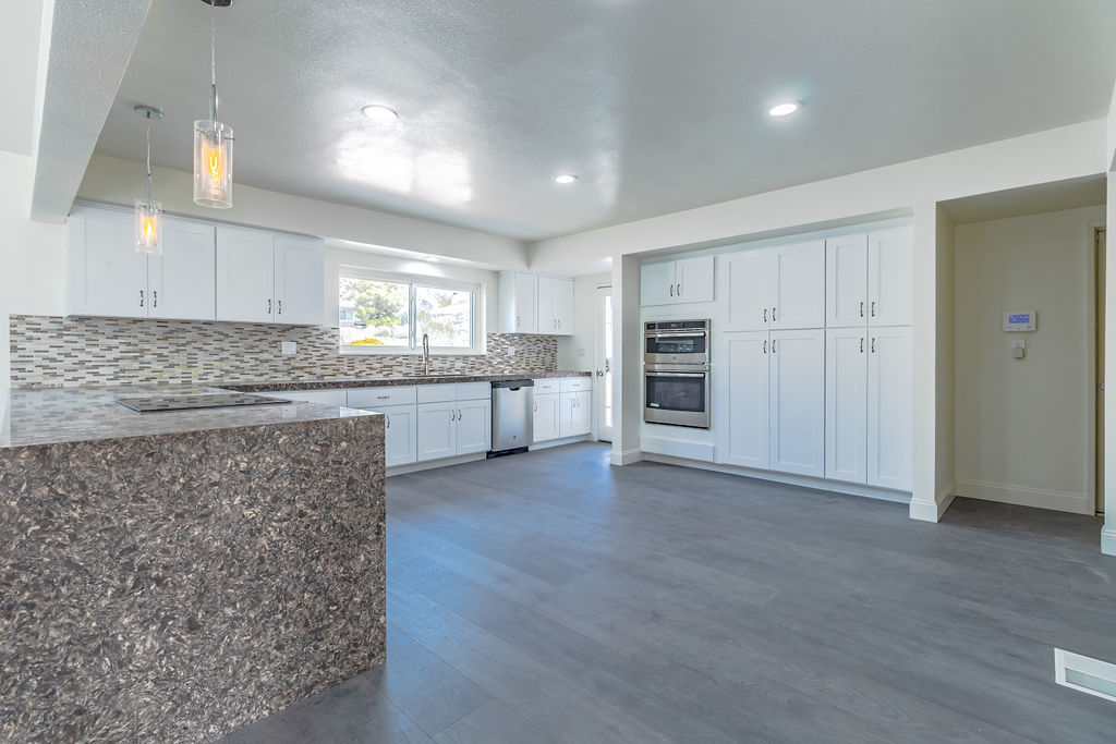 Apple Valley property interior photo of kitchen and dining room space