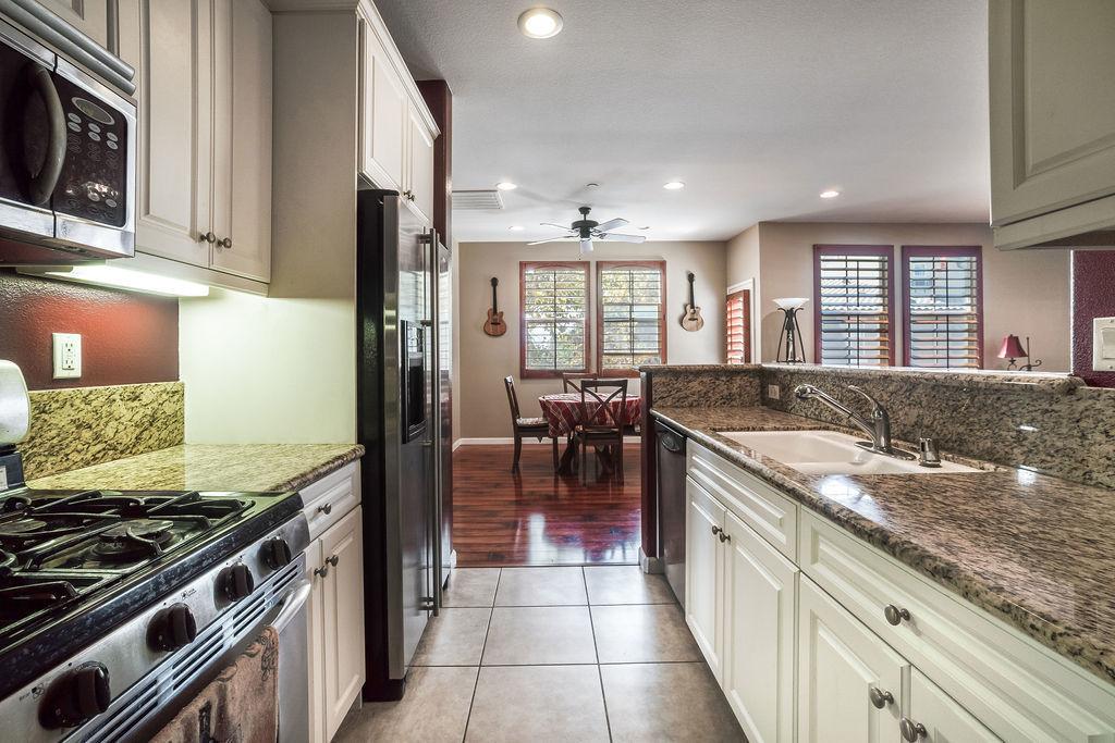 Camposa property photo of kitchen