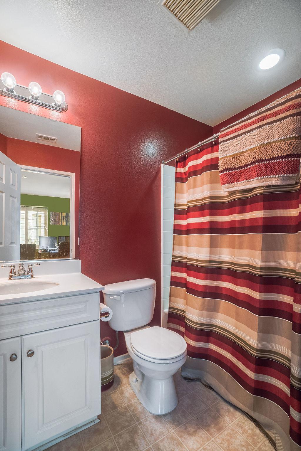 Camposa property interior photo of bathroom